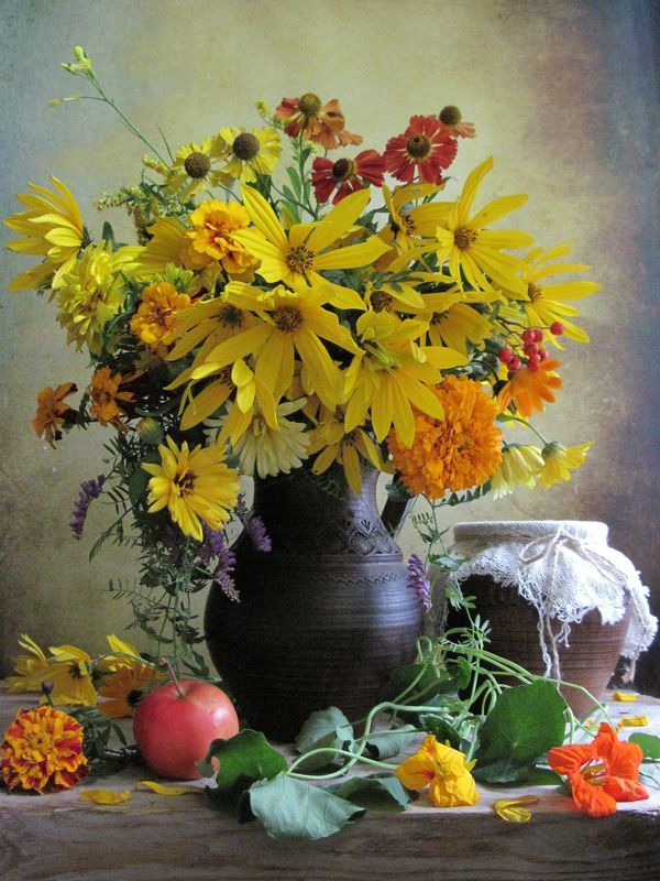 цветы, букет, бархатцы, топинамбур, мышиный горошек, настурция Желтенькийphoto preview
