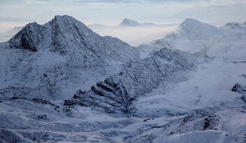зима,горы,вершины,пейзаж,небо,деревья,дагестан,природа Горный ландшафт..photo preview