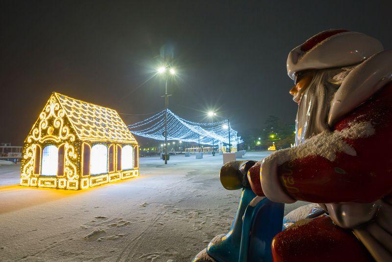 крым, ялта, набережная, ночь, море, пляж, волна, пейзажи крыма, новый год, первый снег, первый снег в ялте, набережная ленина Первый снег в Ялтеphoto preview