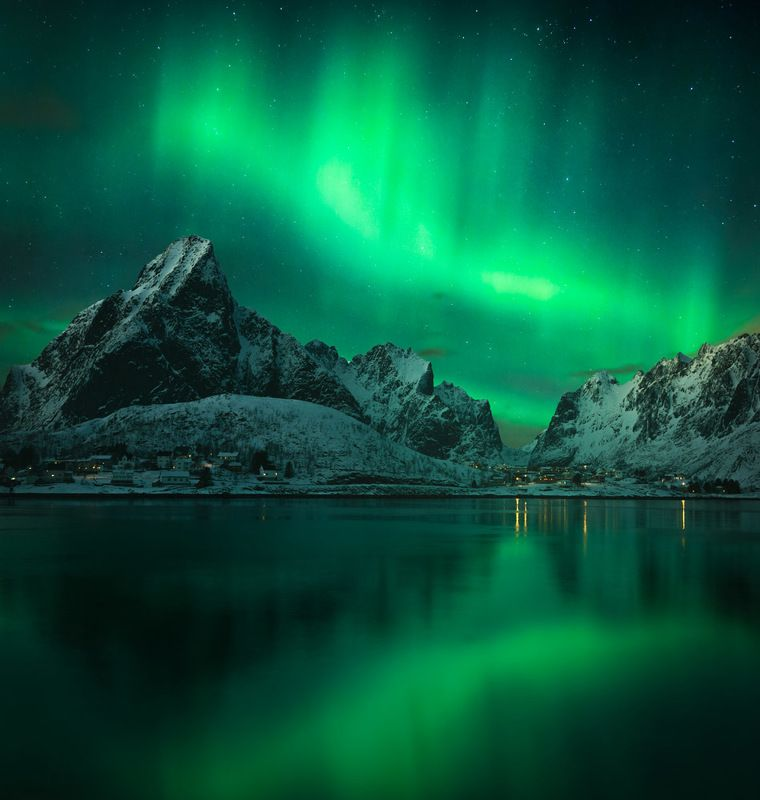 reine,lofoten,norway,aurora,northern lights,aurora borealis,night,night sky, Green night over Reinephoto preview