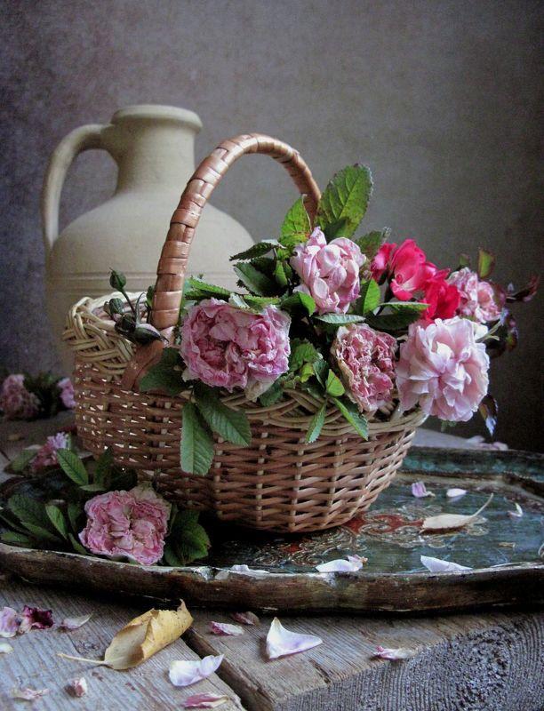 цветы, букет, розы, винтаж Корзинка цветочницыphoto preview