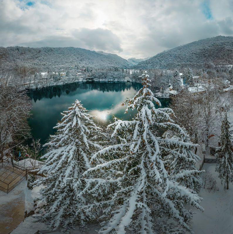 кабардино‑балкарская республика, голубое озеро, зима, водоём, церик-гёль, бездонное, зимнее, нальчик, нижнее голубое озеро, в снегу, лес, горы, черек балкарский, дорога, Голубое озеро зимойphoto preview