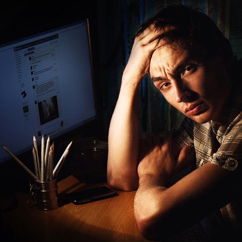 Ночной автопортрет на тему безвылазного сидения ВКонтакте:)photo preview