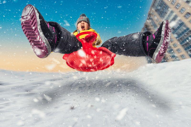 санки, горка, зима, девочка, снег, экстрим Winter extremephoto preview