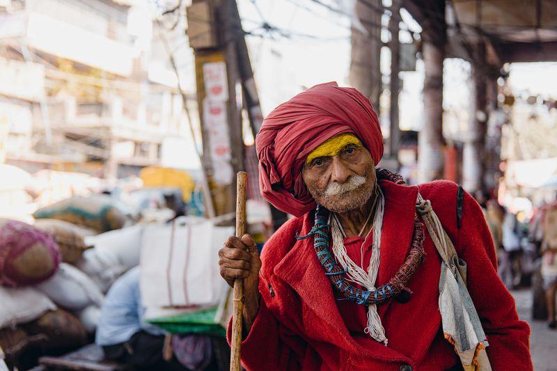 india portrait man red oldman delhi Baba in Redphoto preview