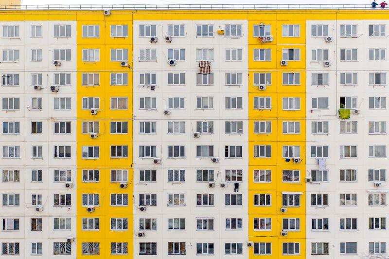 соседи, дом, окна, ритм, желтый, белый, репортаж, улица, этажи, жизнь, Соседиphoto preview