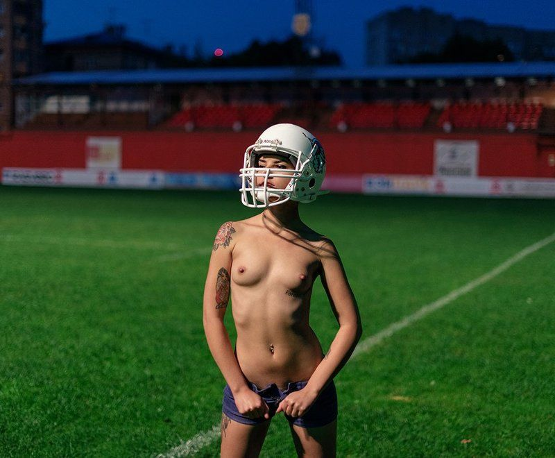 Ночная съемка, Ню, Спорт, Футбол photo preview