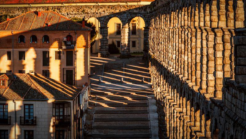 мост, город, акведук теньphoto preview