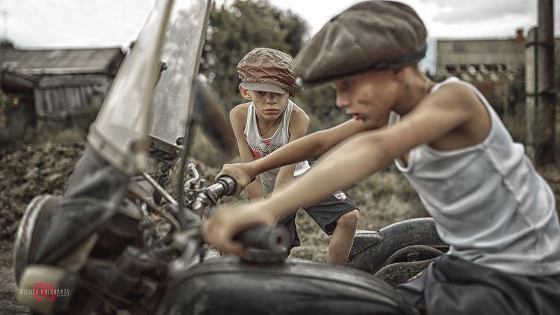 кульчанов, портрет, астрахань, ретро, мотоцикл, дети,детсво \