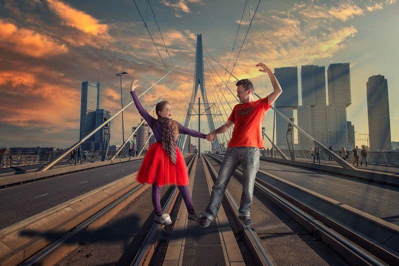 мост, танец, девочка, мужчина, роттердам Танец на мостуphoto preview