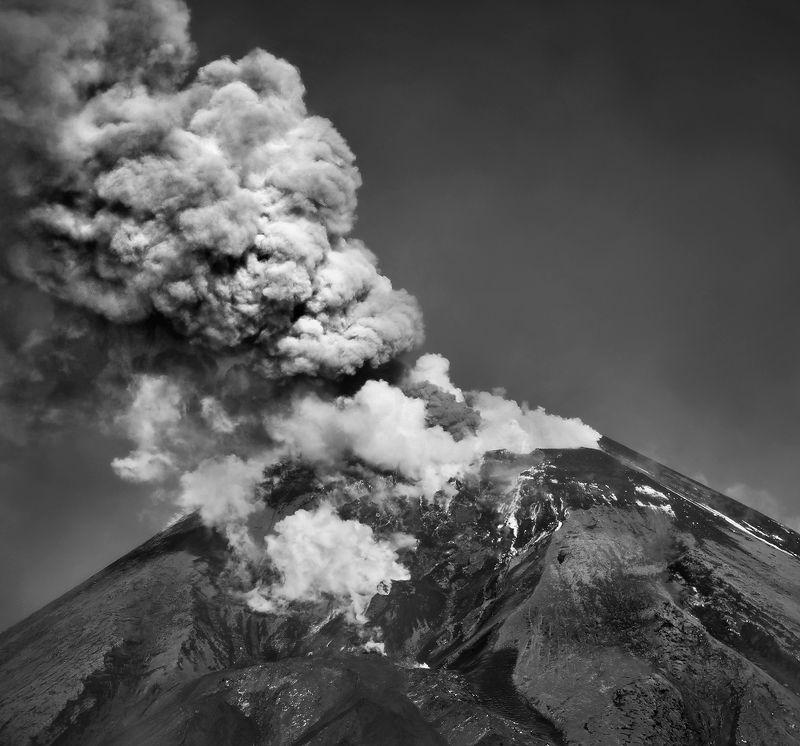 камчатка, вулкан, ключевской, небо, облака ВЕЛИКАН...photo preview