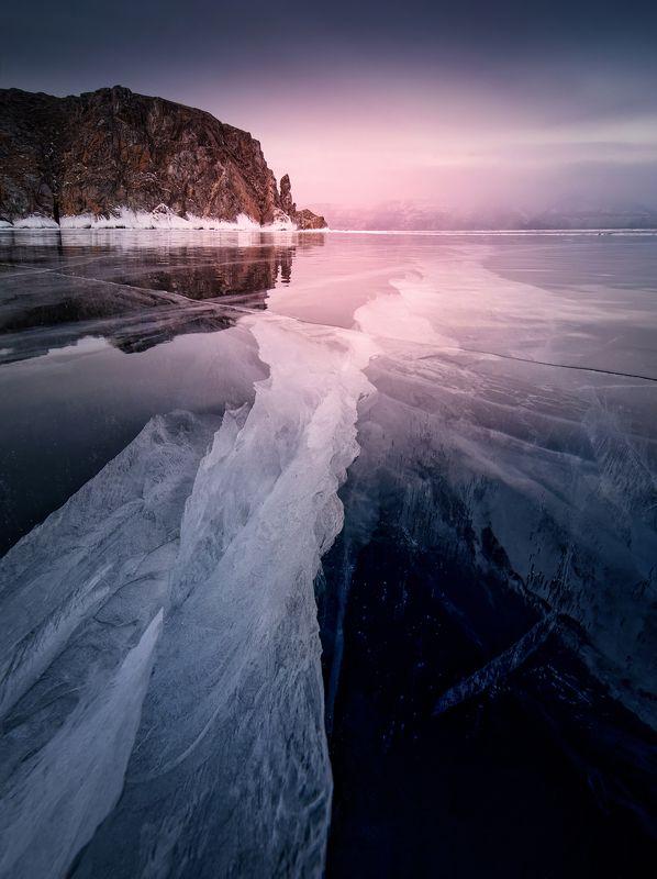 Космос, застывший в пространстве льда. Чарует своей красотой и глубиной.photo preview
