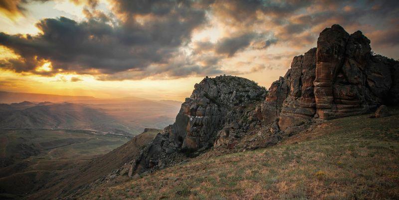 вечер,горы,вершины,пейзаж,небо,деревья,дагестан,природа Вечерний пейзаж..photo preview
