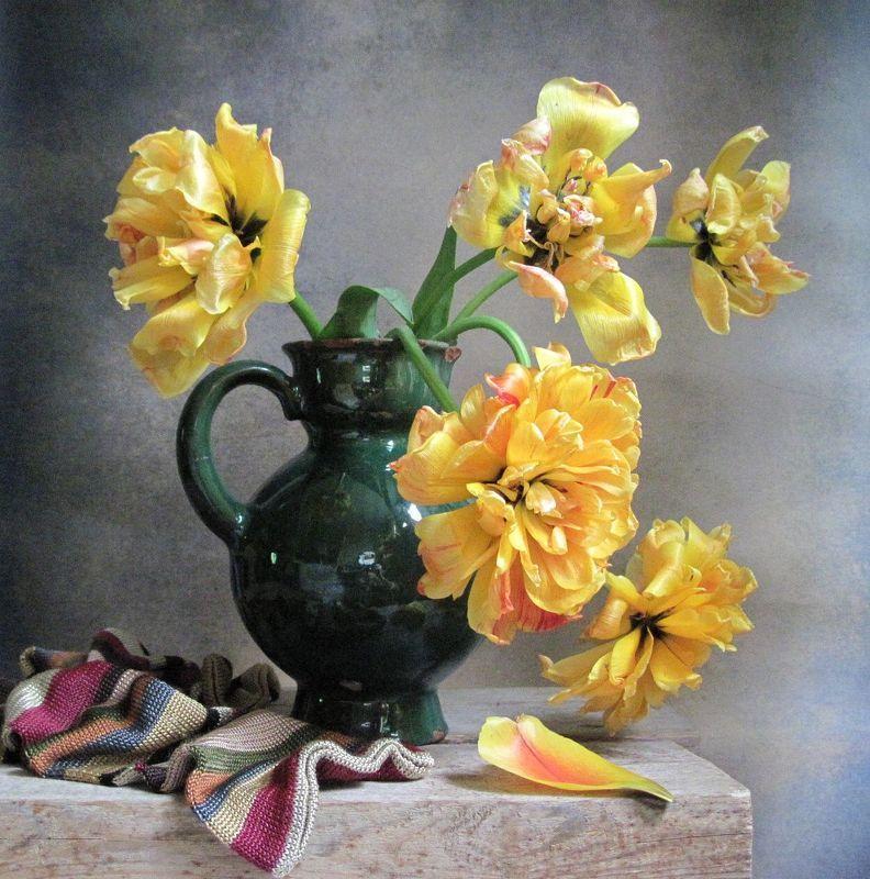 цветы, букет, тюльпаны, кувшин, винтаж, шарф Грацияphoto preview