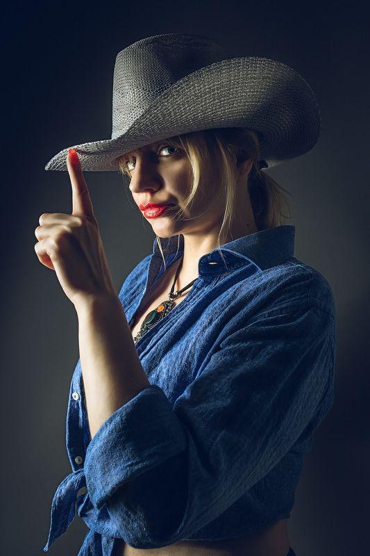 портрет, женщина, девушка, шляпа Cowgirlphoto preview