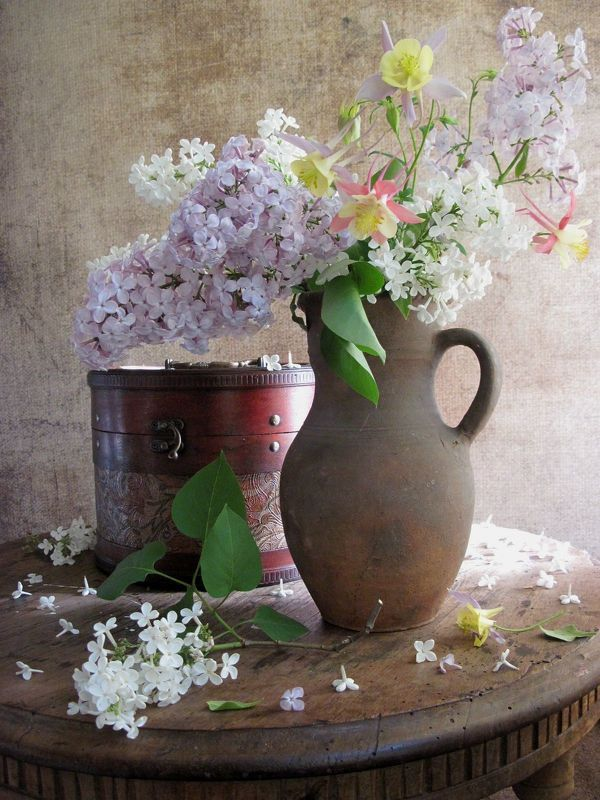 цветы, букет, аквилегия, сирень, кувшин, шкатулка, винтаж Солнечное утроphoto preview