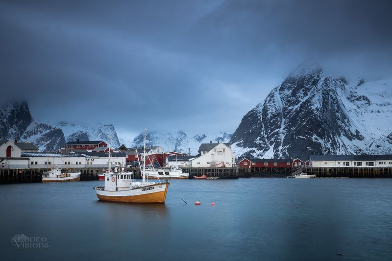 lofoten,norway,hamnoy,boat,harbor,mountains,winter,sea,village, Cloudy Islandsphoto preview