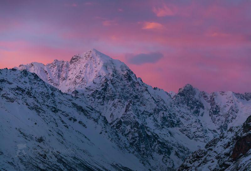 гора, кавказ, кавказские горы, коштантау, рассвет, освещение, вершина, кабардино-балкария, зима, в снегу, снежное, Розовый рассветphoto preview