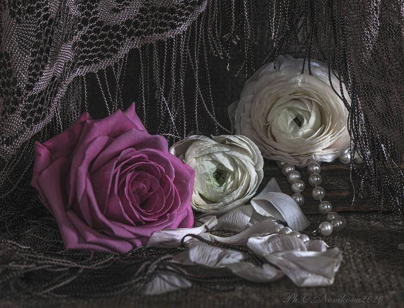 розы, шаль, жемчуг ***photo preview