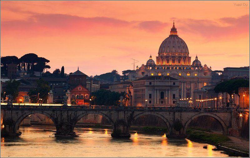 Вид на Тибр, мост Святого Ангела и собор Святого Петраphoto preview