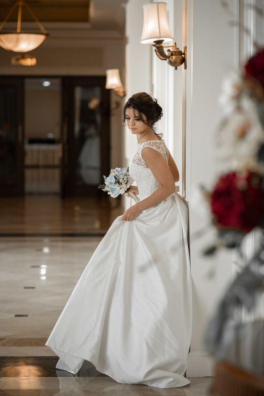 свадьба, свадебная фотосессия,  невеста, свадебное платье, счастье, любовь, портрет, фотосессия, bride, wedding, love, happy, dress, wedding dress, portrait, woman, женский портрет, свадебная фотография, wedding photography Невеста Марияphoto preview
