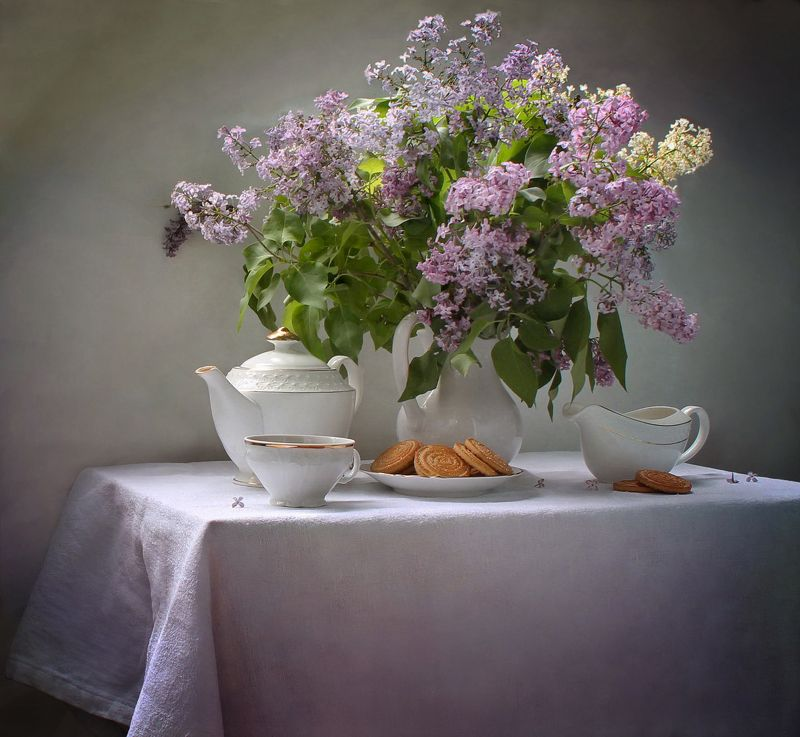 натюрморт, цветы, сирень,  фарфор, весна, чай С праздником, девчонки! ;)photo preview
