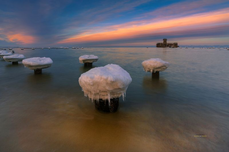 Baltic Sea, sea, sunset, clouds, landscape, water, winter, Baltic mushrooms. photo preview