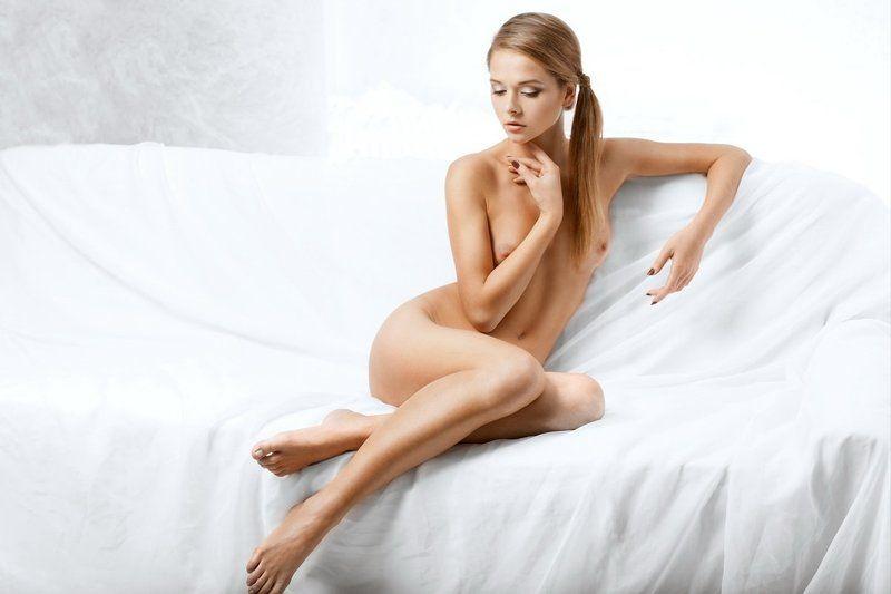 Girl, Light, Nude, Posing, Sexy, Studio Lightroomphoto preview