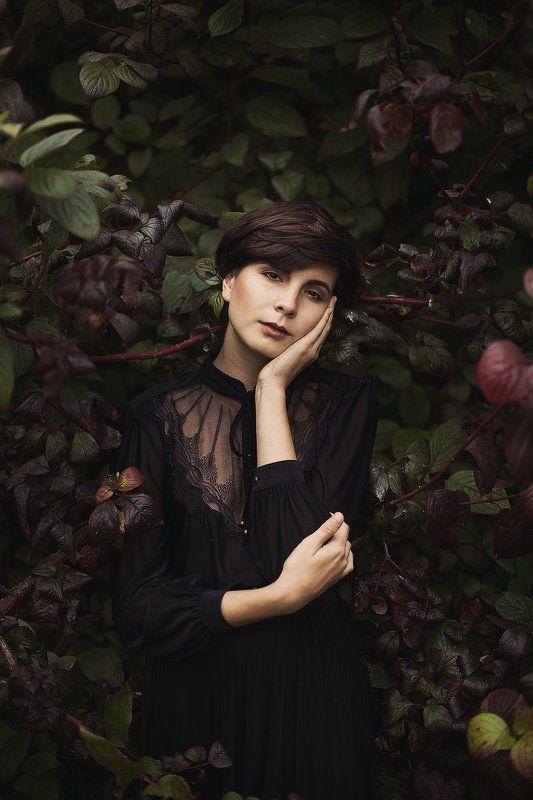 Девушка, Кружева, Листья, Стрижка, Черное платье ****photo preview