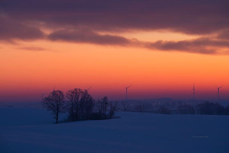 Zima, pejzaż, Polska, wschód słońca, chmury, pola  Winterphoto preview