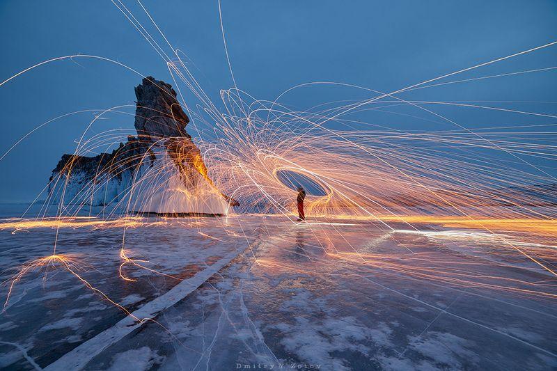 байкал, огой, пейзаж, ночь, зима, сибирь, лёд, рисование светом, стальная вата, огонь, lightpaint, lightpainting, steelwool Встреча со Сфинксомphoto preview