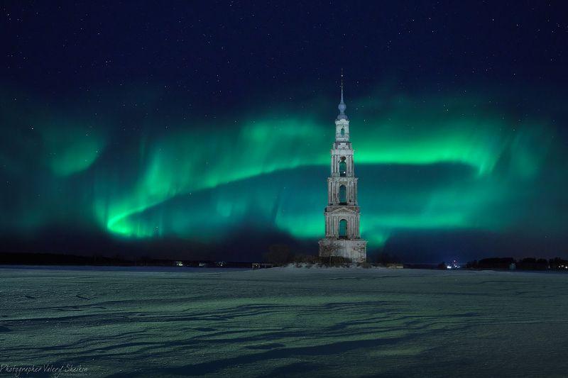 калязин, ночь, северное сияние , снег, колокольня, зима Изумрудная ночь в Калязинеphoto preview
