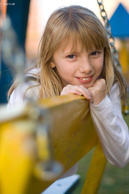 качели, ребёнок, улыбка ***photo preview