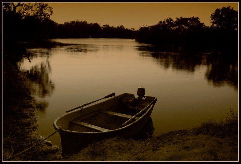 пейзаж, ночь, река, лодка, тишина, безмолвие, lad_i_mir Безмолвиеphoto preview