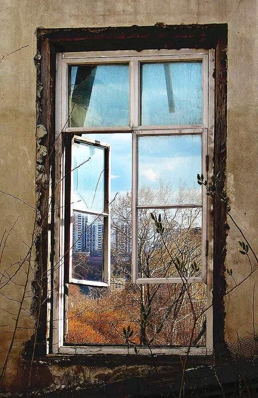 окно Окно в новый мирphoto preview