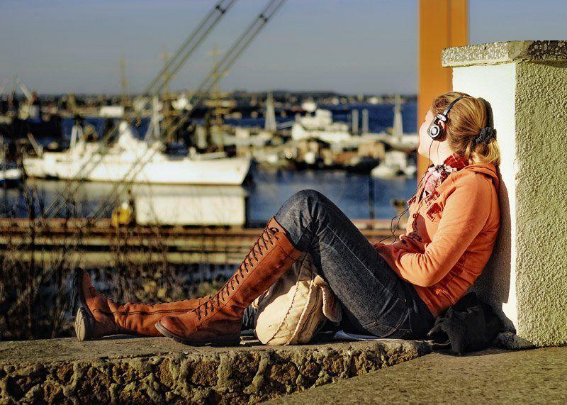 город, порт, девушка Ассоль.... Реальность....photo preview