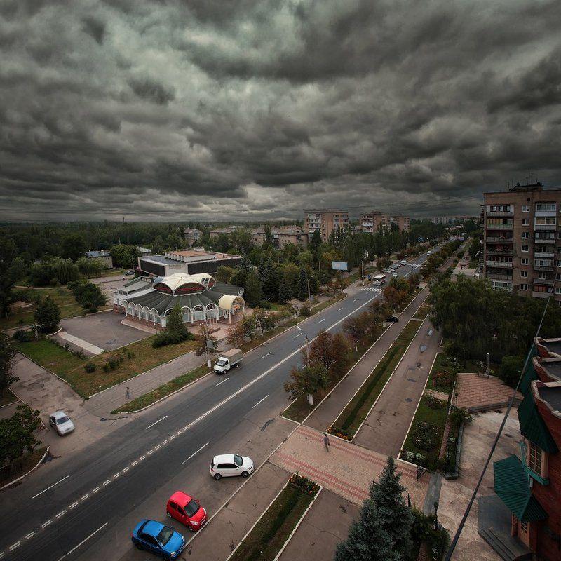 Тучи над городомphoto preview