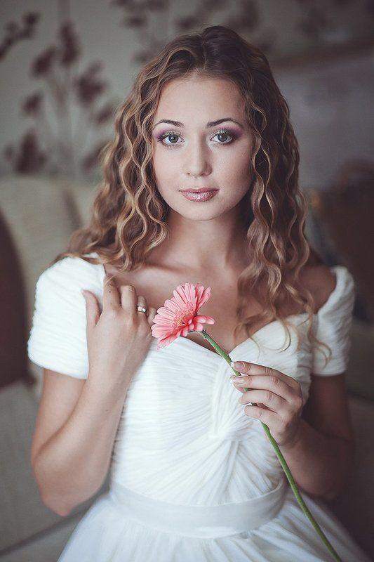 Девушка  красивая невеста лиза с photo preview