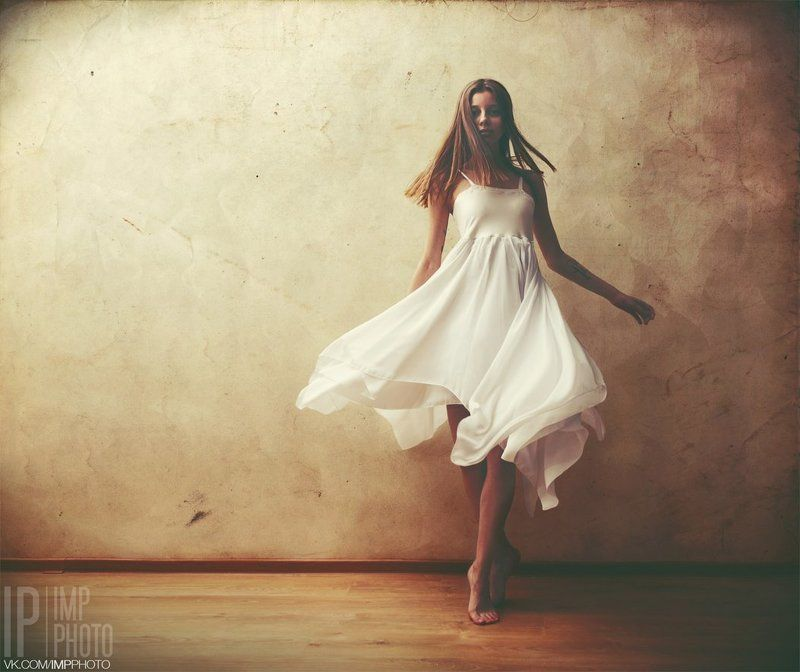 Dance, Dress, Girl, Light, Wall, Woman coverphoto preview