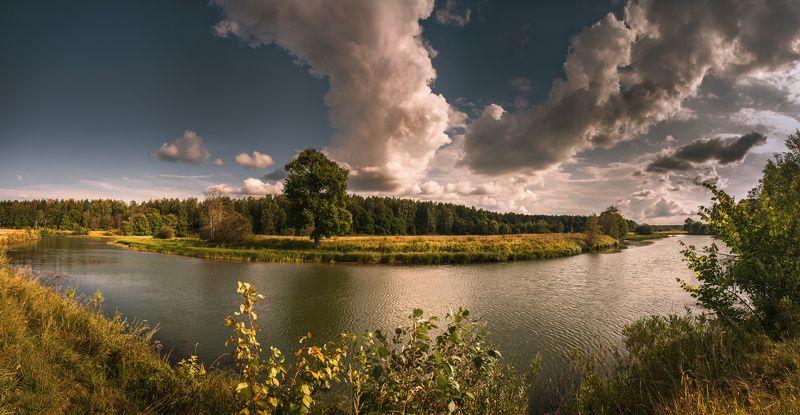 У излучины рекиphoto preview