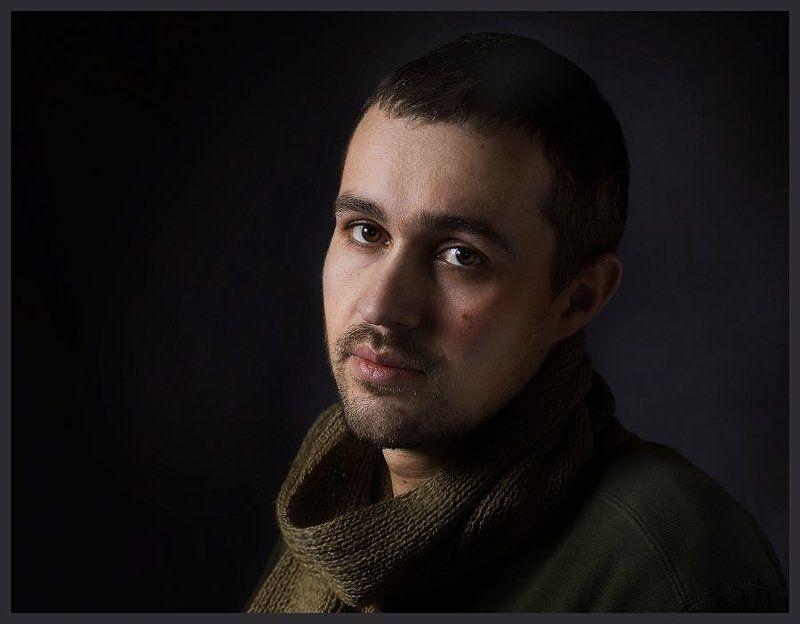 Портрет артиста в романтическом стиле.photo preview