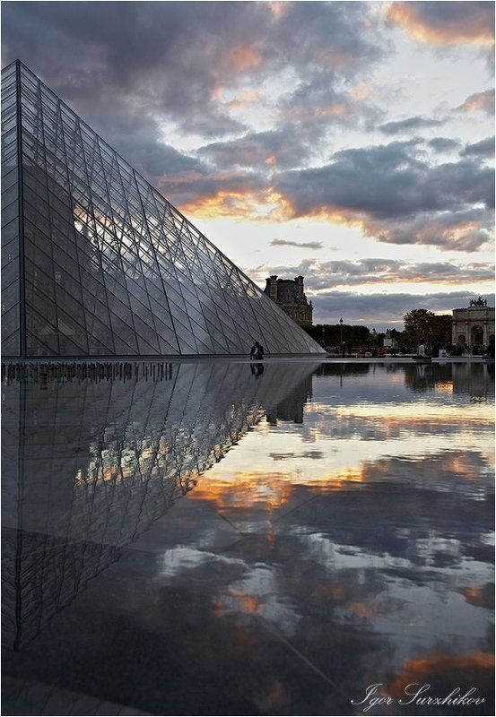 париж, пирамида, закат Пирамида Наполеонаphoto preview