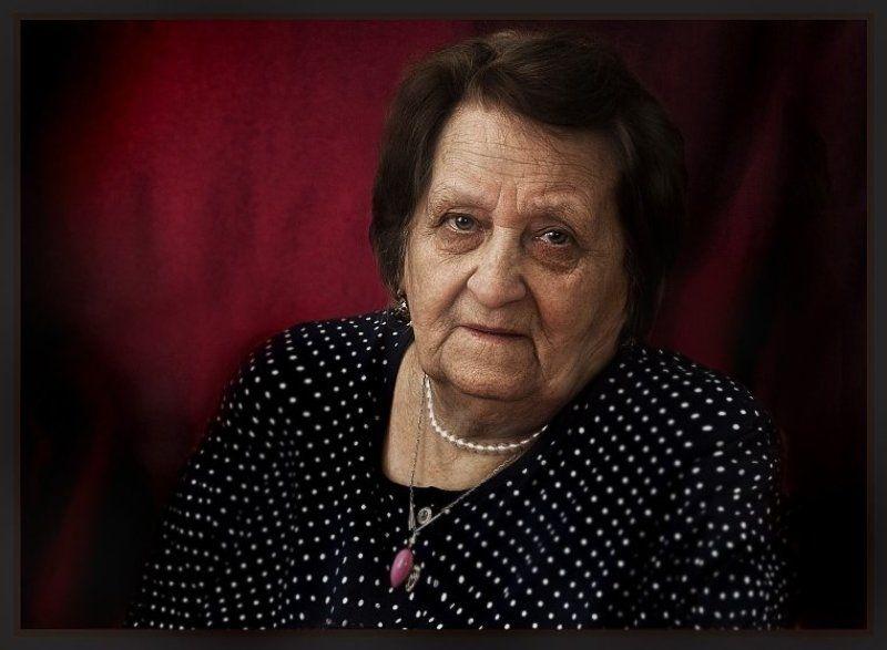 портрет, пожилая, абаджян Портрет пожилой дамы.photo preview