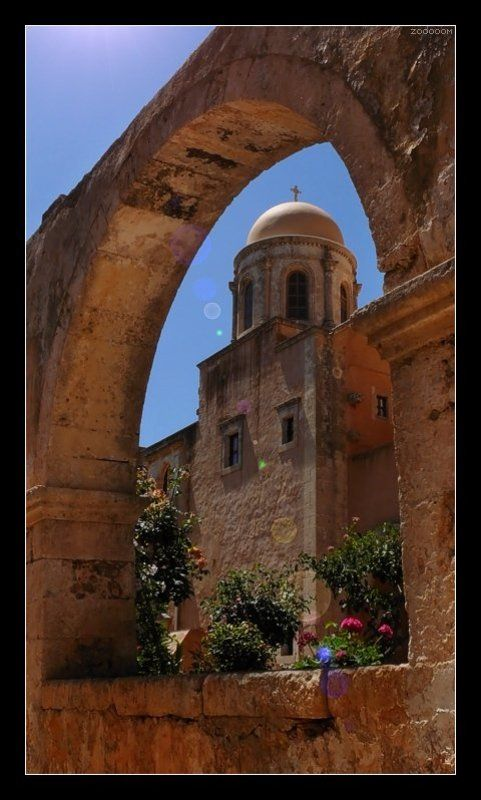 крит,монастырь Монастырский ракурсphoto preview