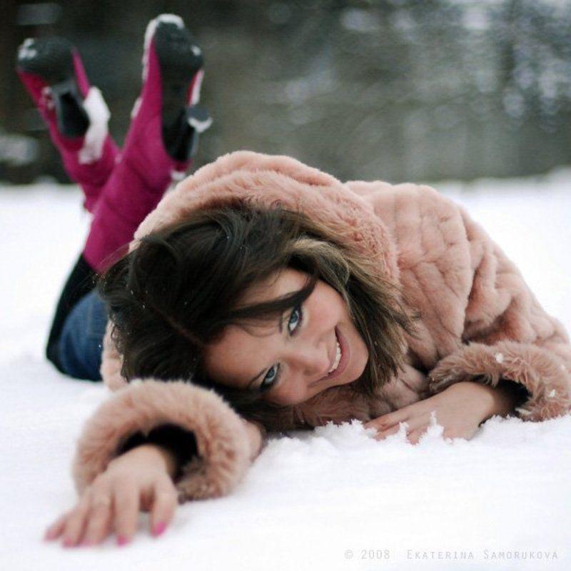 девушка, снег,зима на снегуphoto preview