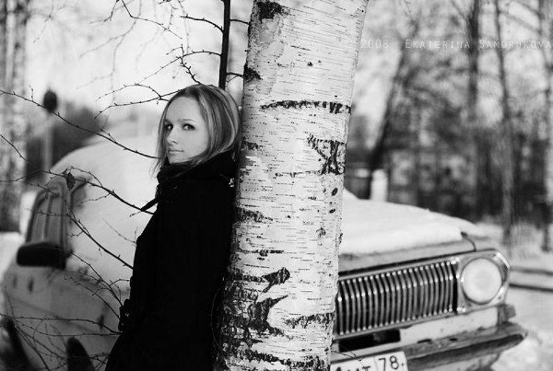 волга, газ24, машина, зима, снег, девушка, чб Маринаphoto preview