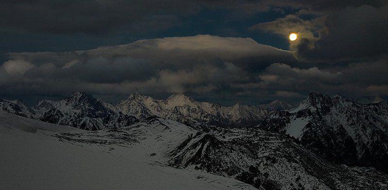 Elbrus Race, Кавказ, Лунная ночь Лунные горыphoto preview
