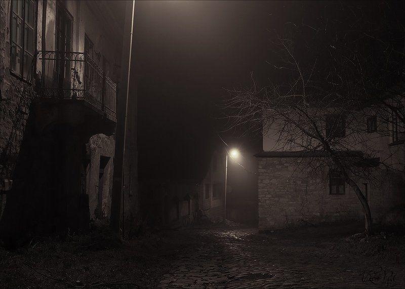 Ночью в каменном городеphoto preview