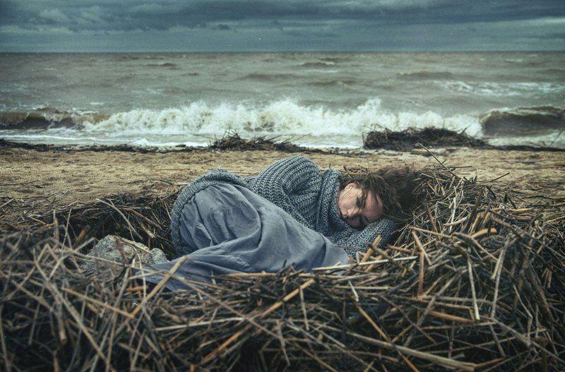 Гнездо, Девушка, Море ....photo preview