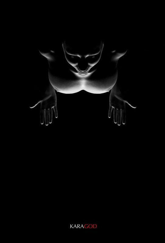 В темнотеphoto preview